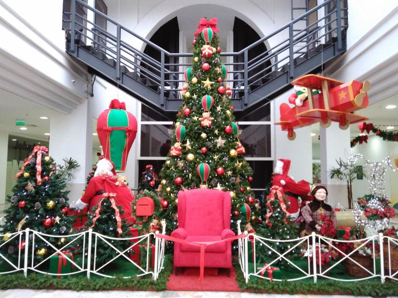 b6e47c9c44ba2 Rua da Praia Shopping em clima de Natal »